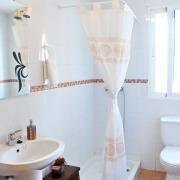 Baño apto doble superior Ruralguejar